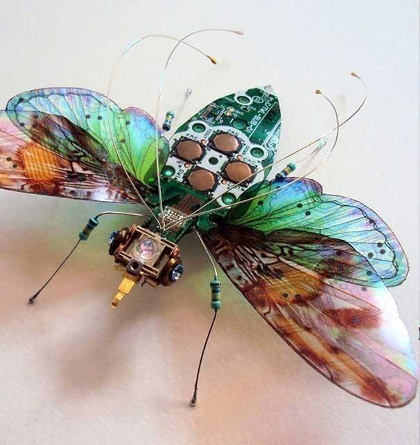 reutilizar basura electrónica - insectos con circuitos