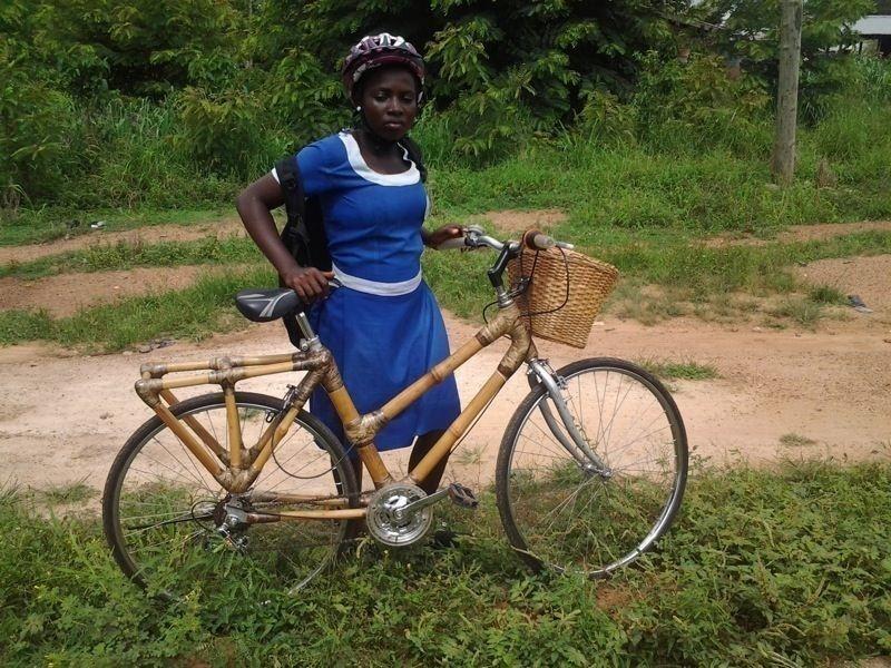 Bicicleta de bambú para estudiantes africanos