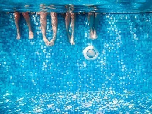 19% de los adultos han admitido haber orinado en una piscina al menos una vez