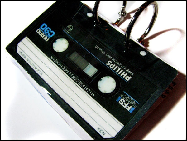 cassette_tape_notebook_1_by_bleedsopretty