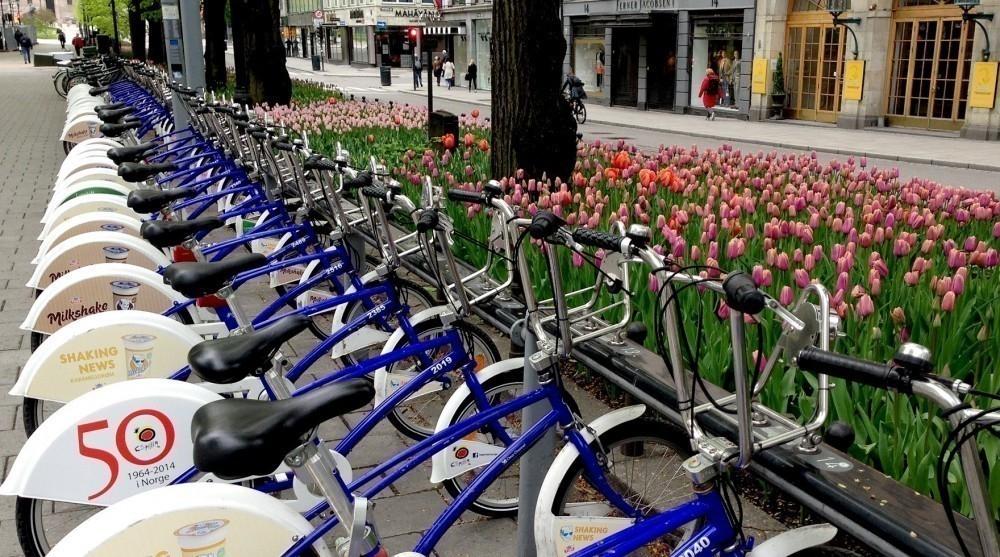 Prohiben los automóviles en Oslo  - estacionamiento para bicicletas