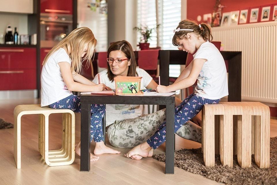 silla multifuncional que se adapta a cualquier uso y ambiente- Woodieful- usos
