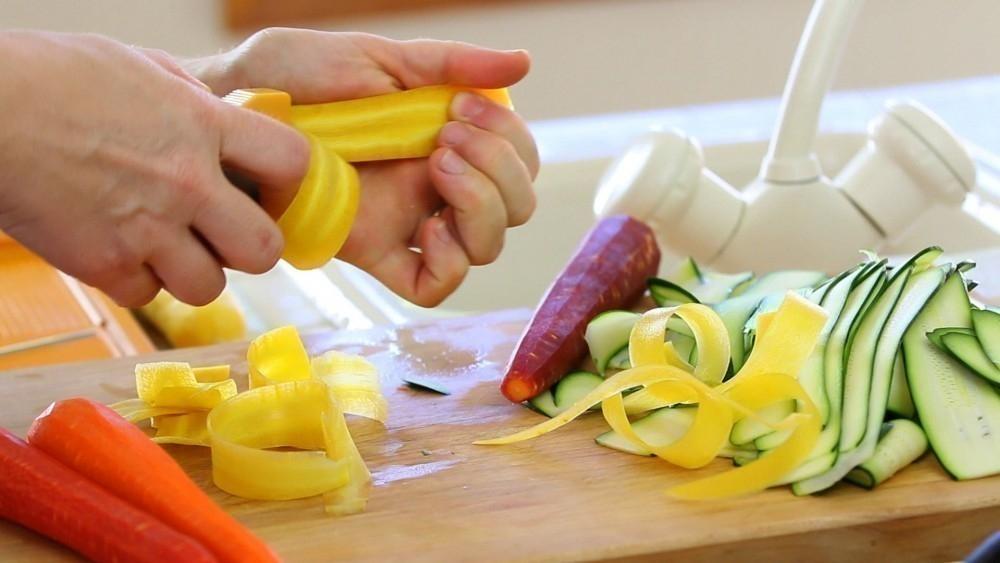 Tarta de vegetales que parecen rosas- cortar vegetales