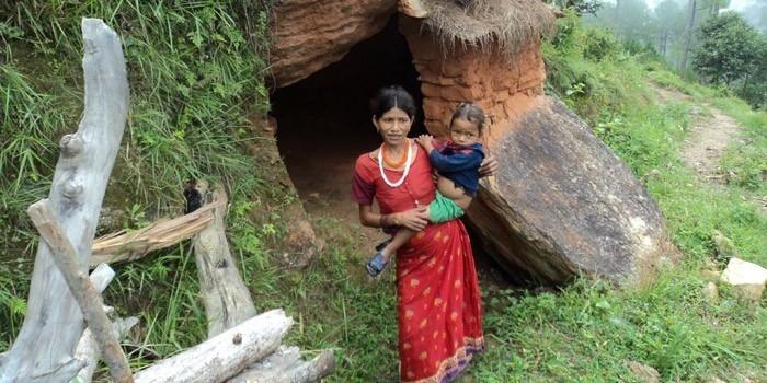 Después del parto, las mujeres so apartadas de sus hogares durante 10 días.
