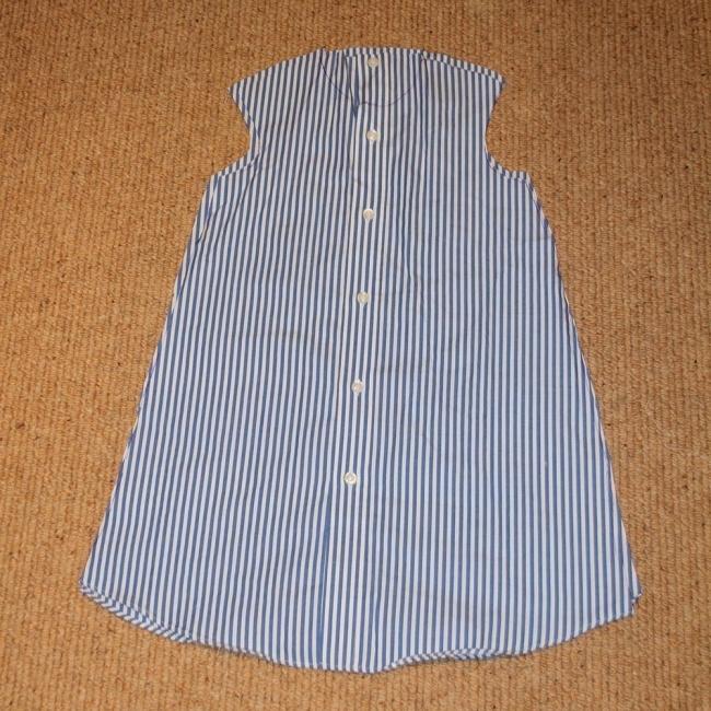 convertir una vieja camisa en un vestido de niña- cortar por el molde