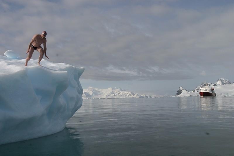 nadar en la antártida
