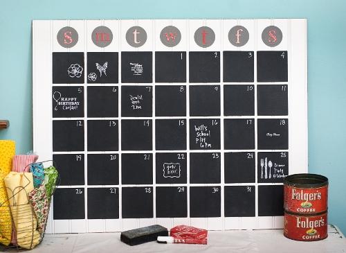 chalkboard_calendar