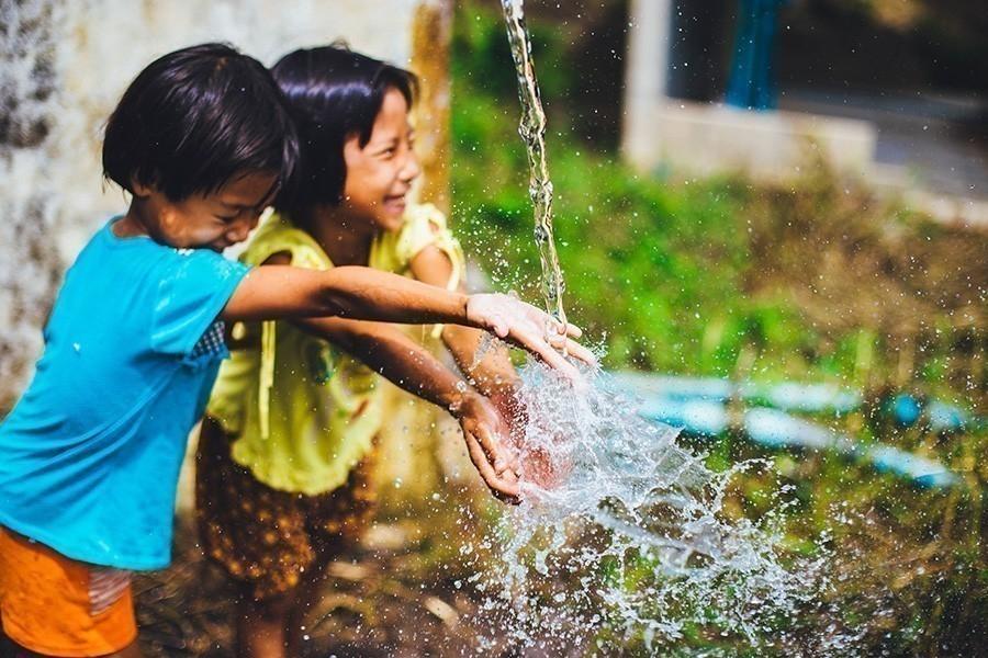 Algo que no imaginas puede eliminar arsénico del agua - agua potable