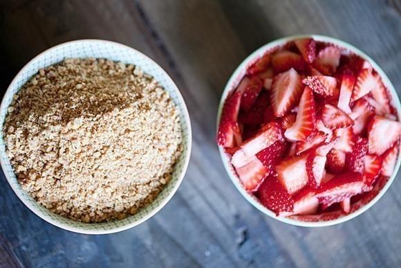 ingredientes- Pastel helado de fresas ¡sin harinas ni cocción!