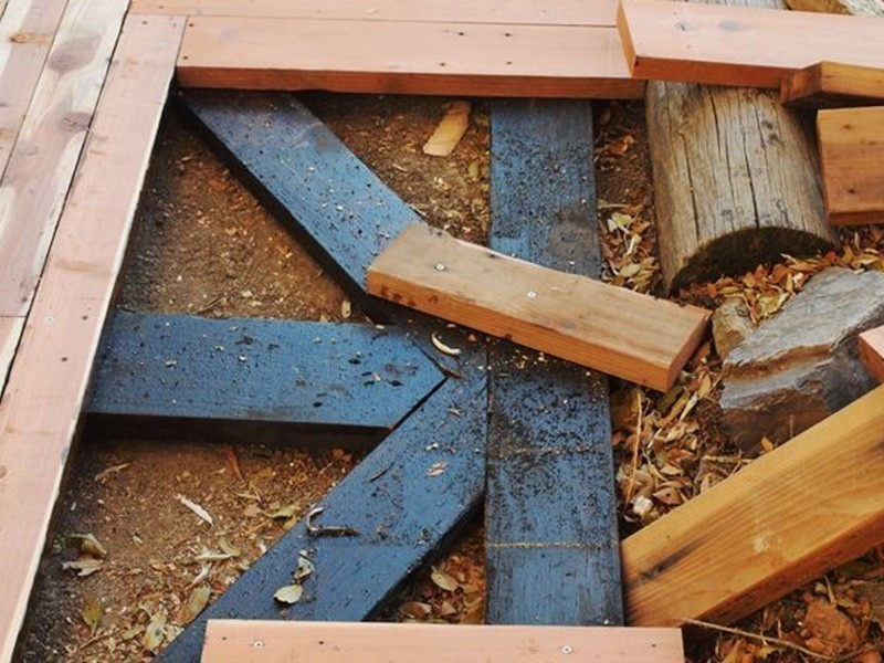 Cómo hacer caminos de madera reciclada para el patio o jardín- bases