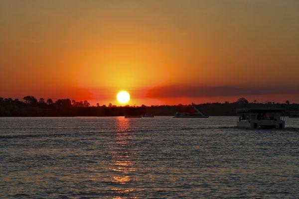 amanecer en rio zimbabwe