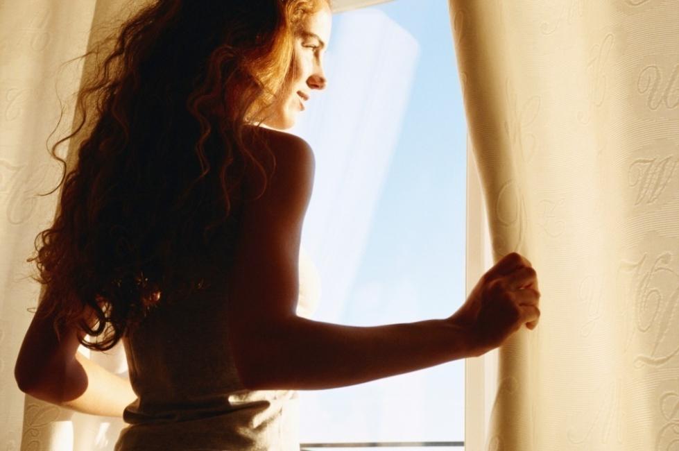 Consejos para despertarse de buen humor - abrir la ventana
