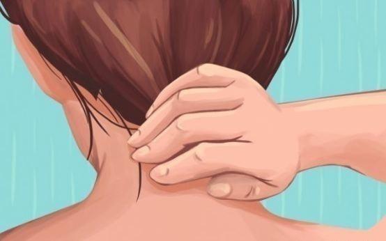Dolor de cabeza en la parte posterior de la cabeza cuando se inclina hacia adelante