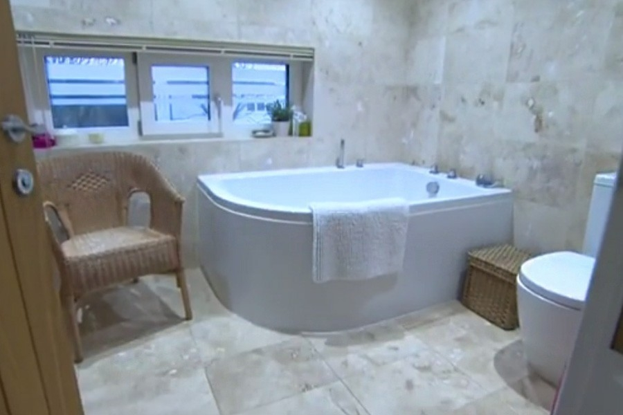 Casa que funciona con 40w - baño