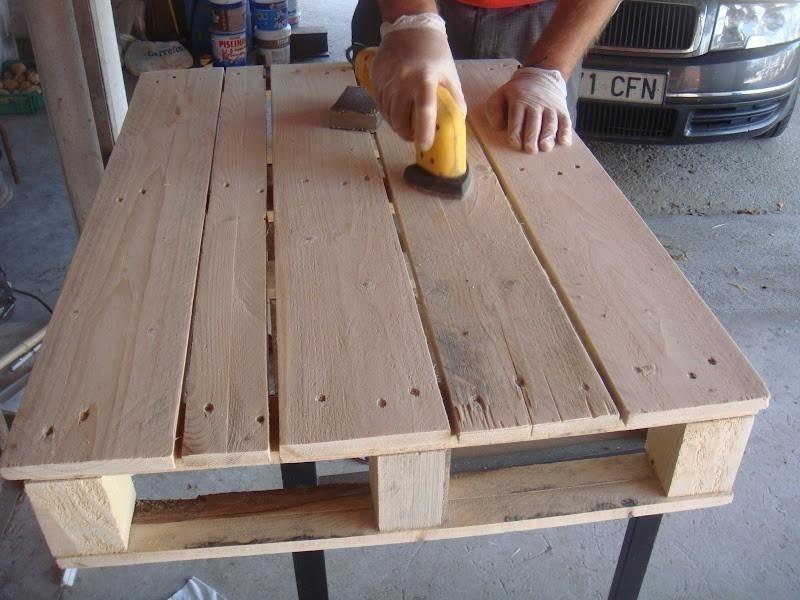 hacer una mesa para el comedor con pallets - paso a paso