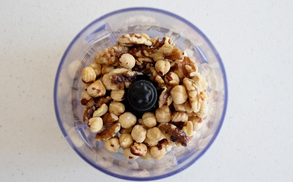 Turróncasero de chocolate sin azúcar sin harina y sin leche - procesar frutos secos