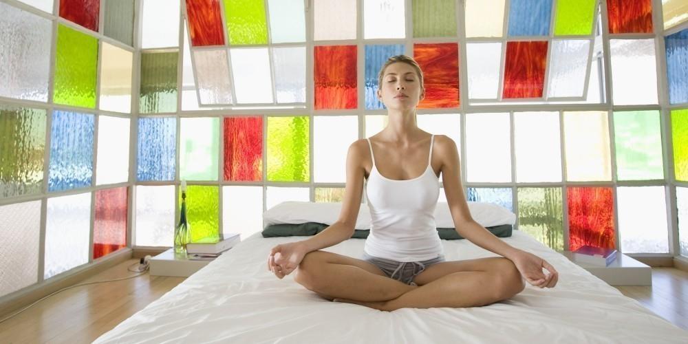 posturas para empezar tu día lleno de energía