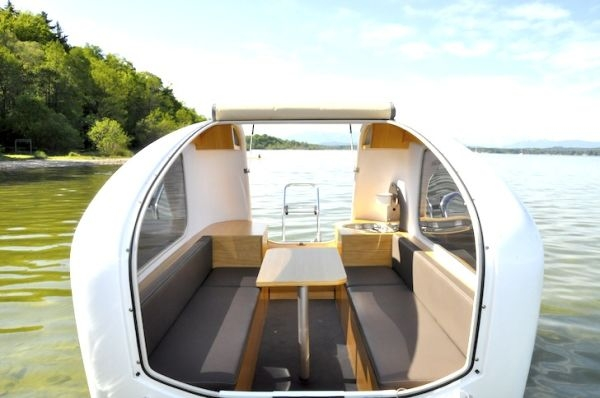Sealander-Swimming-Caravan-01