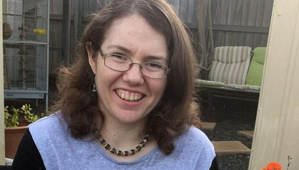 Rebecca Sharrock es australiana