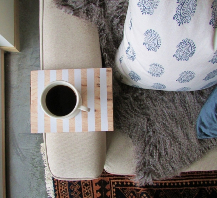 mesa auxiliar-sofa-café