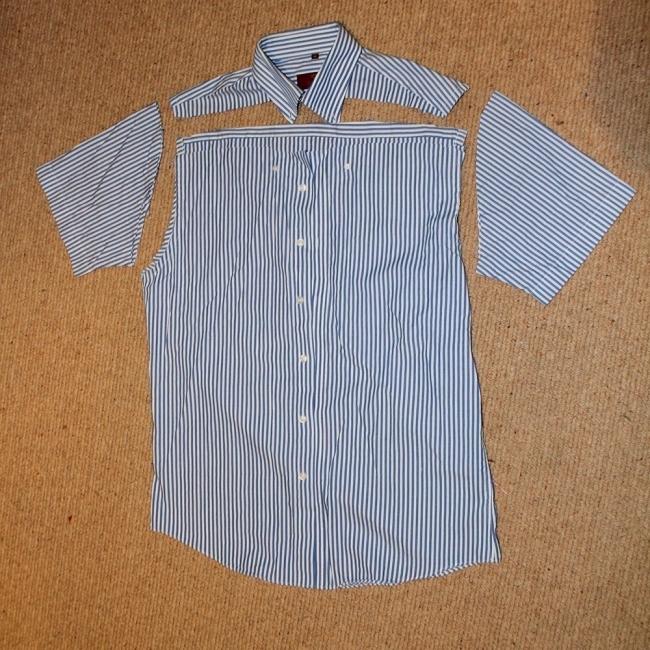 convertir una vieja camisa en un vestido de niña- cortar las mangas