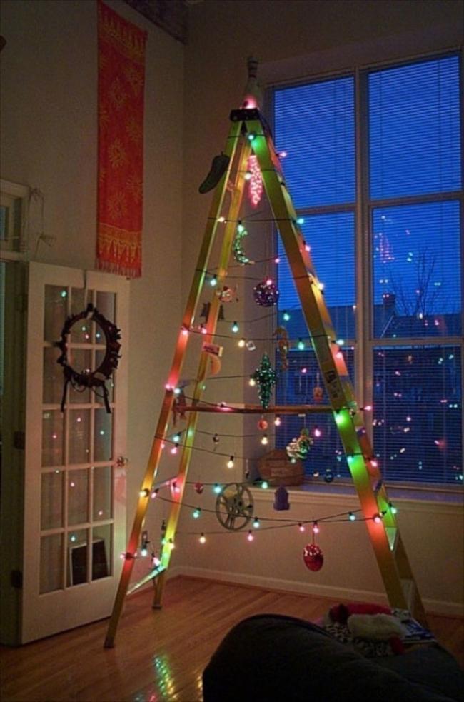 Árboles de Navidad para espacios pequeños - escalera