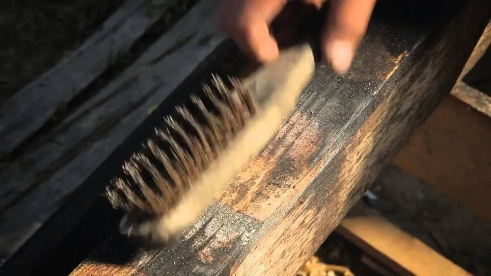 Técnica japonesa para conservar la madera- cepillado