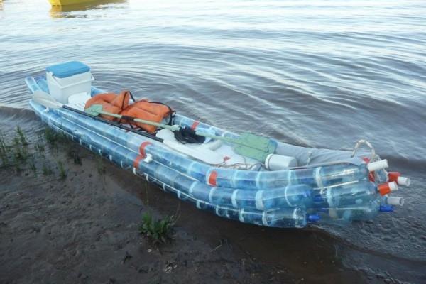 kayac con botellas (2)