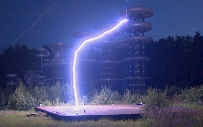 Torre de Tesla energía eléctrica libre