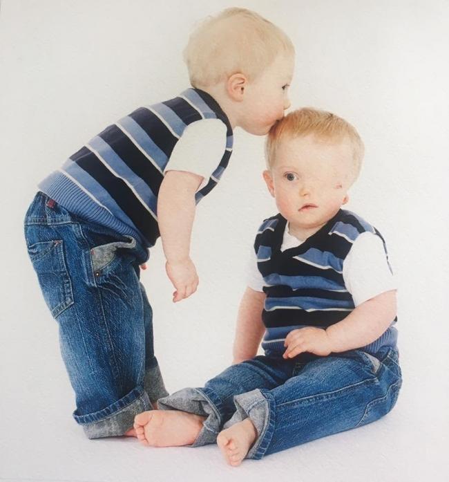 Harry y su hermano gemelo Oliver