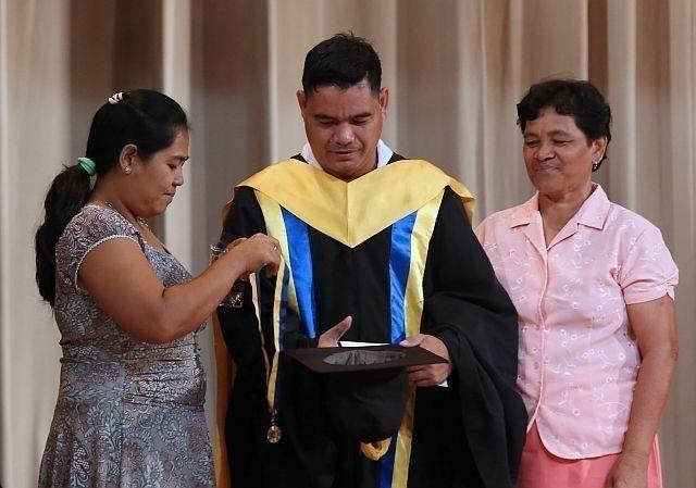 Erwin Macua graduado
