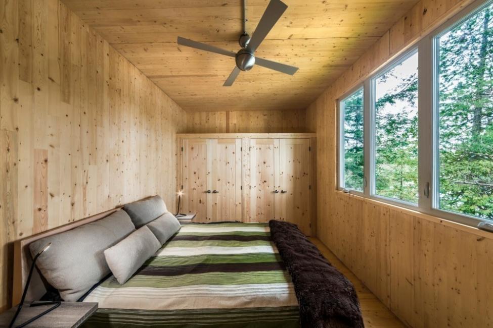 Casa  de paneles de madera- habitación
