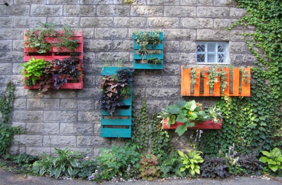 18 Ideas Para Decorar Patios Y Jardines - Como-decorar-un-jardin-con-plantas-y-flores