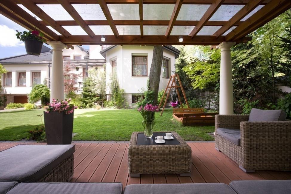 gazebos de madera- Rincones cubiertos para disfrutar del aire libre - cortinas