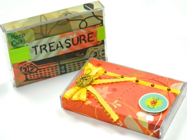 Recycle-Cassette-Tapes-into-Little-Treasure-Boxes-www.bowdabrablog.com-@bowdabra-3