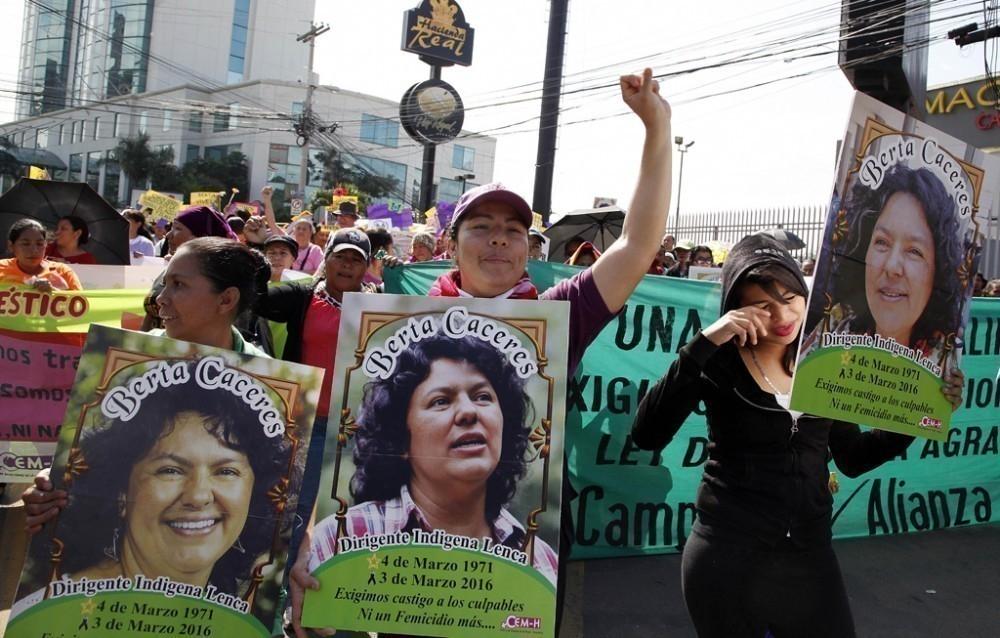 El 2015 fue el año con el récord más alto en asesinatos de activistas de todo el mundo - berta cáceres