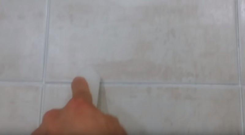 Truco para limpiar las juntas de los azulejos - Limpiar juntas azulejos ennegrecidas ...
