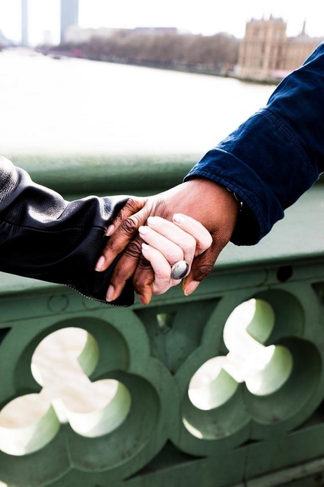 mujeres musulmanas por la paz - manos