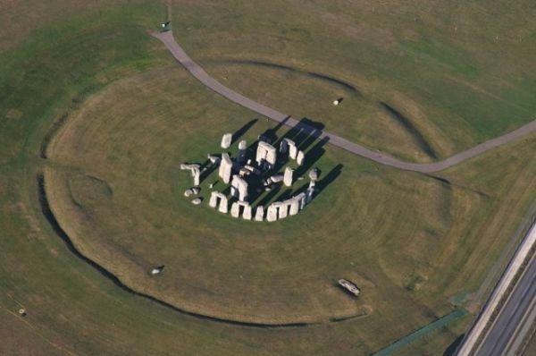 Stonehenge_aerial_04331