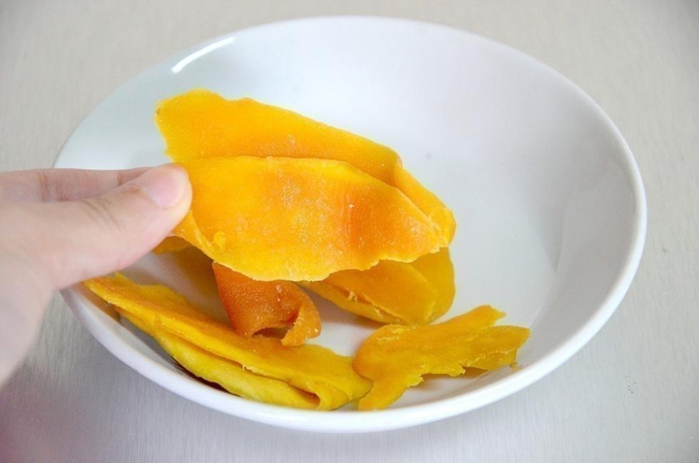 hacer bioplástico en casa- cáscara de fruta