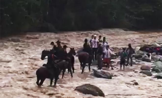 El río Guadalajara se desbordó por las fuertes lluvias