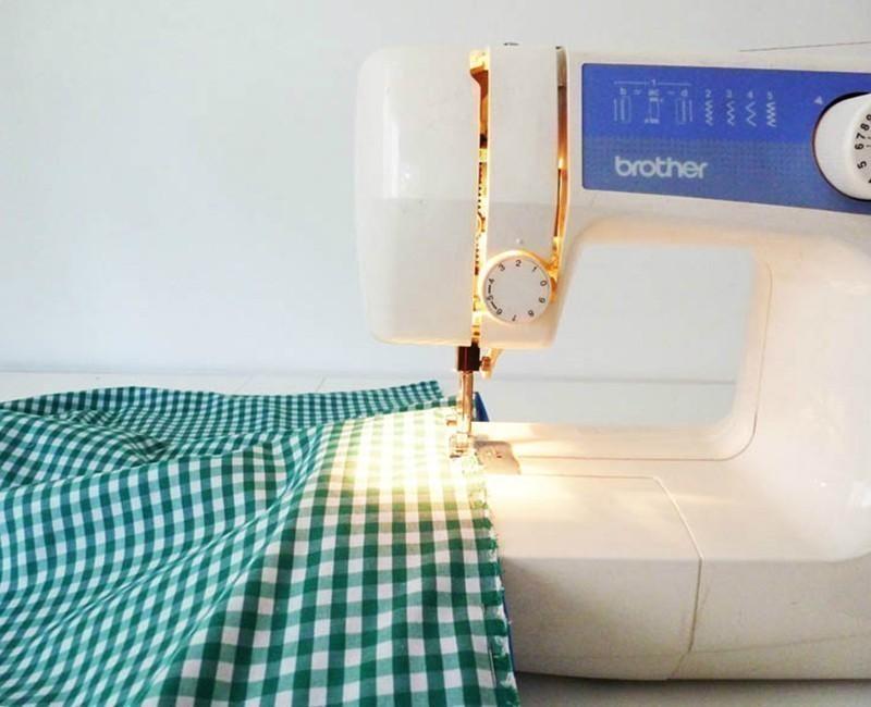 Cómo hacer un bolso que se transforma en lona- coser