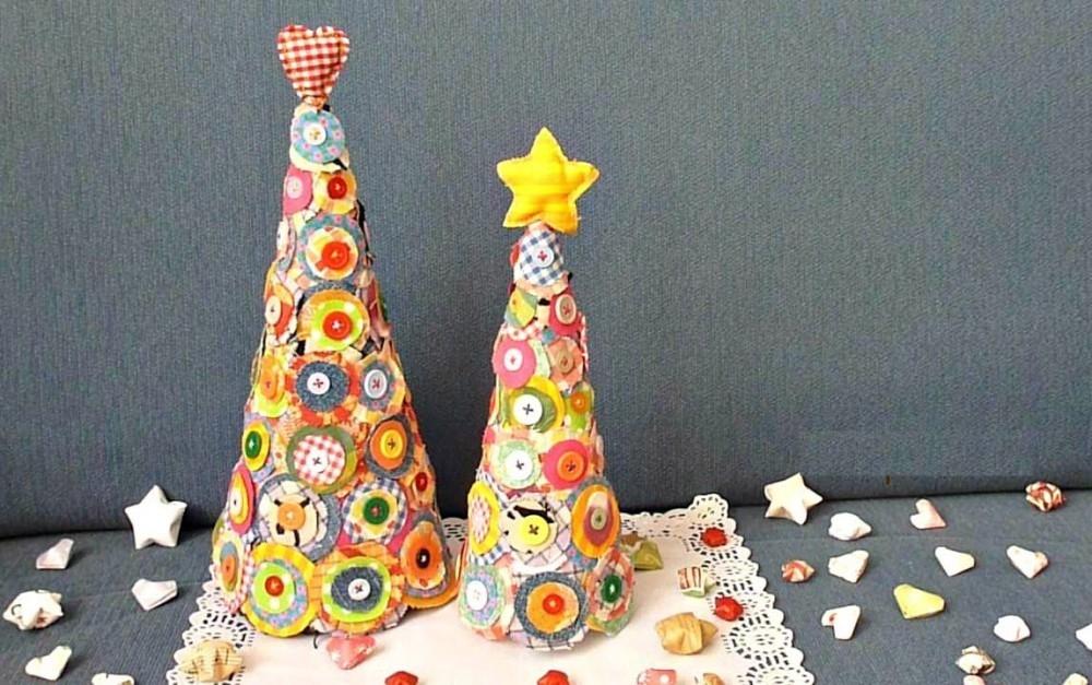 Adornos de navidad con tela y botones