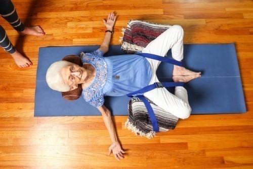 yoga ancianos anna