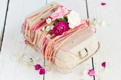 egg-carton-gift-wrap