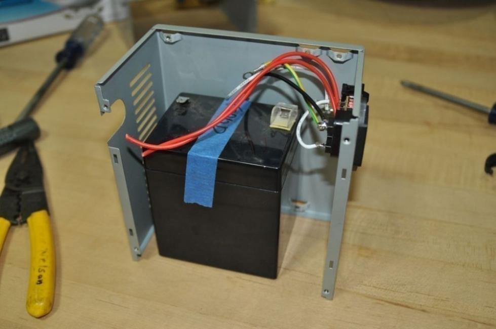 reflector de luz casero - conectar batería