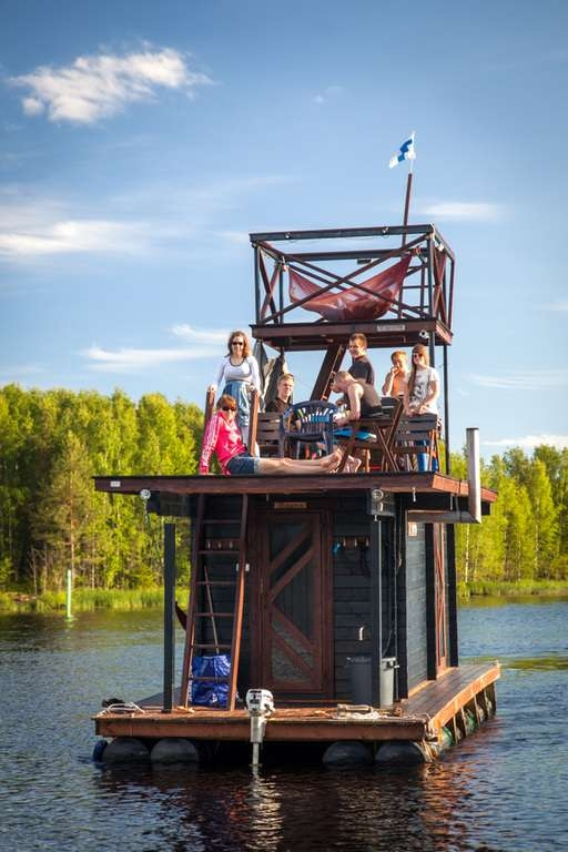 awesome-tiny-house-on-the-water-floating-5