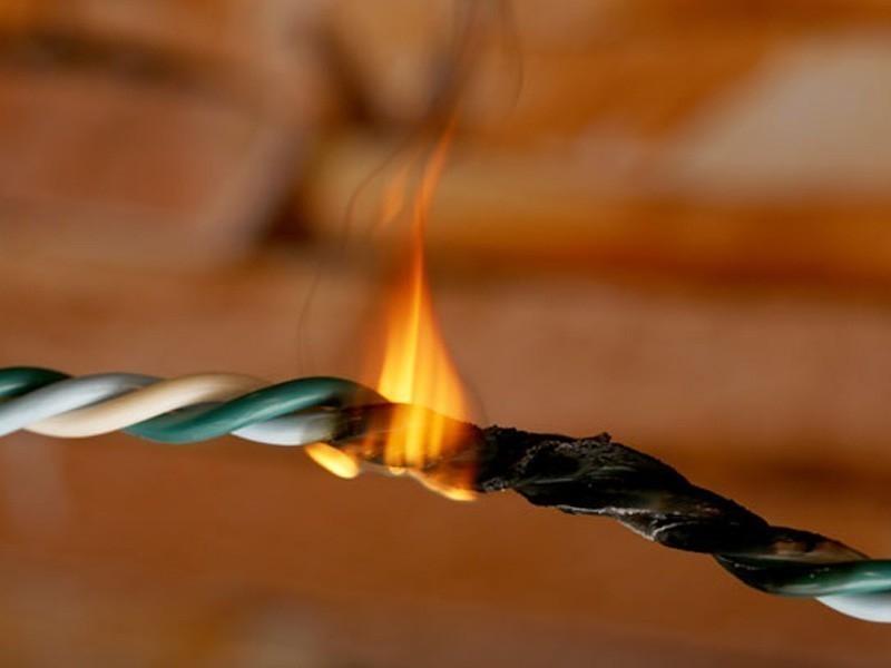 Cómo hacer un extintor de fuego casero