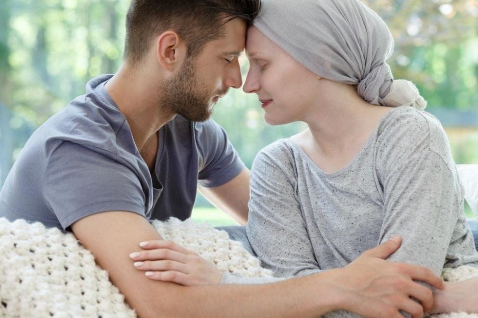 Hablar con alguien con cáncer