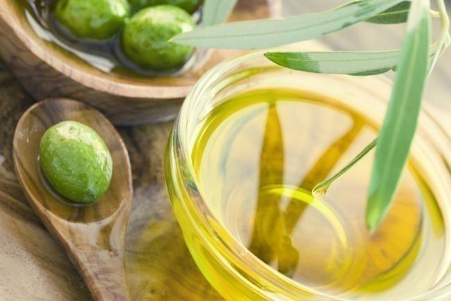 Cómo estimular naturalmente el crecimiento del cabello-aceite de oliva para el cabello